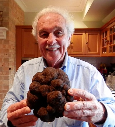 Ted Smith with his amazing record-breaking 1.172 kilo truffle