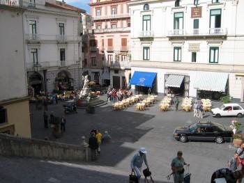 Amalfi Piazza   Photo: Pam Walker